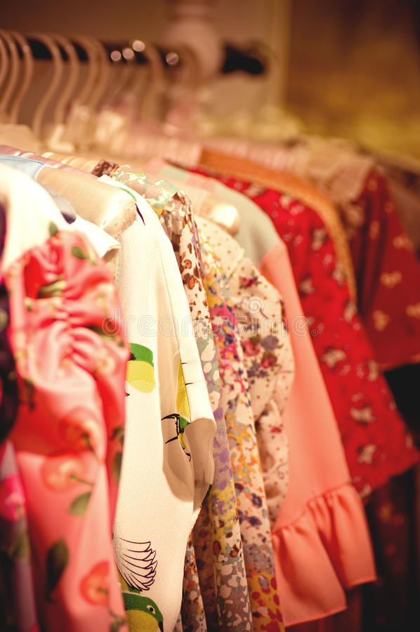 Scelta dei vestiti di modo immagine stock libera da diritti