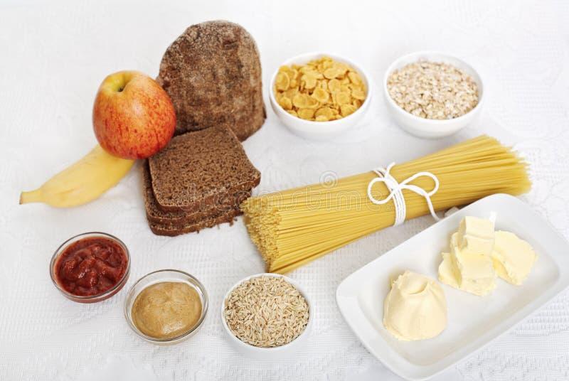 Scelta dell'alimento di dieta su bianco fotografie stock libere da diritti