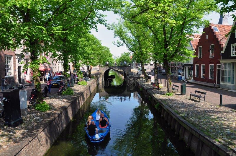 Scena del canale in edam, Paesi Bassi fotografie stock libere da diritti