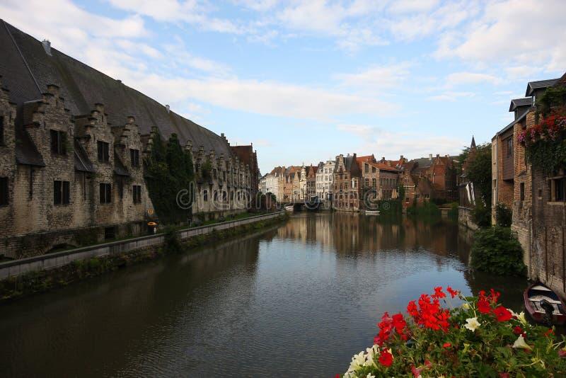 Scena del canale a Gand fotografie stock libere da diritti