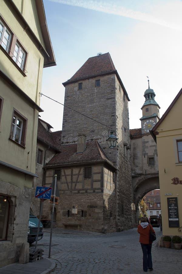 Scena della via compreso il Markusturm con Roderbogen fotografia stock libera da diritti