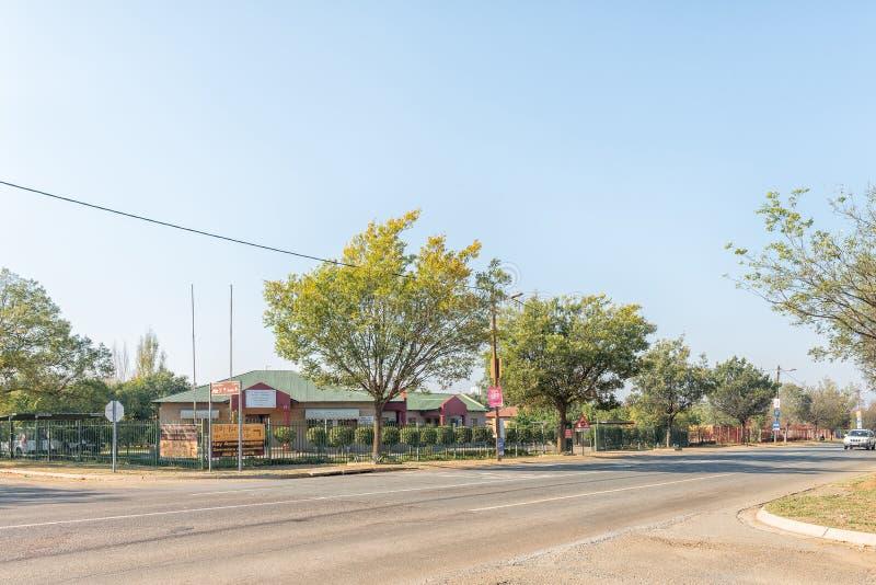 Scena della via, con gli uffici dello sceriffo, in Standerton fotografia stock