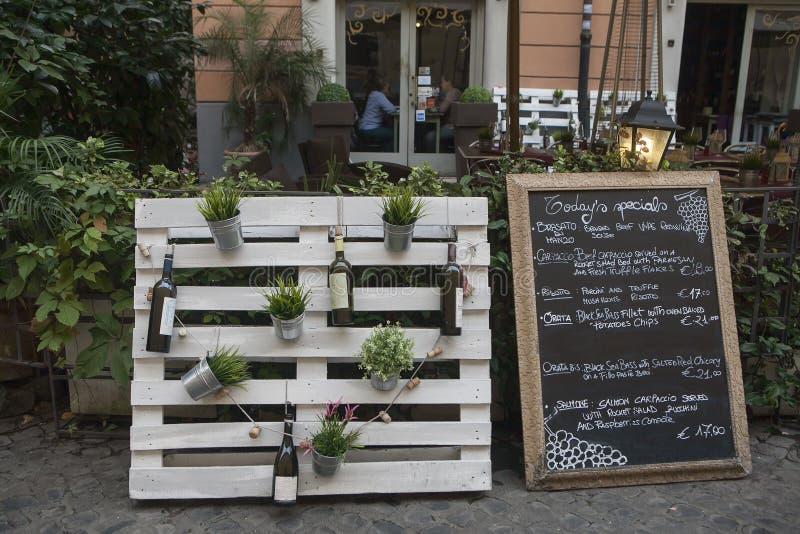 Scena della via del ristorante, Roma, Italia fotografie stock libere da diritti