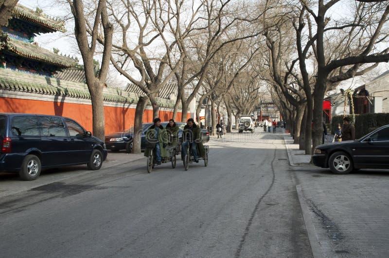 Scena della via in distretto locale un giorno di inverni fotografia stock