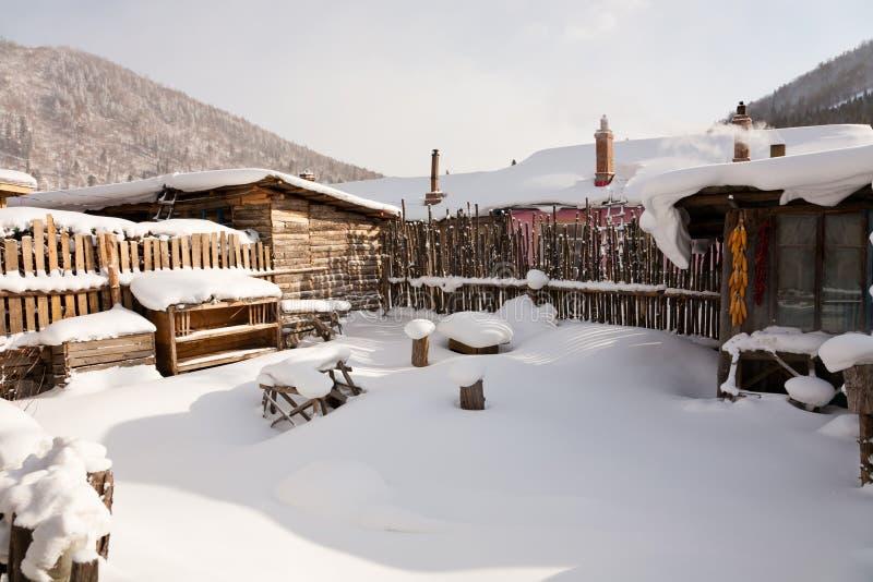 Scena di inverno del villaggio cinese fotografie stock libere da diritti