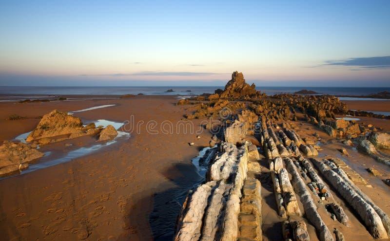 Scena di notte alla spiaggia Basque del paese immagini stock libere da diritti
