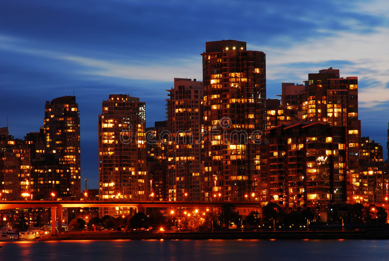 Scena di notte del downt di Vancouver immagine stock