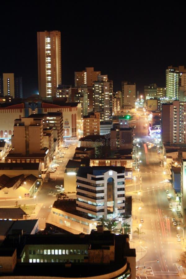 Scena di notte della città fotografia stock
