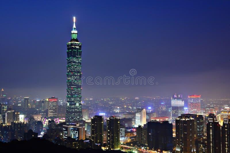 Scena di notte della città di Taipeh fotografie stock