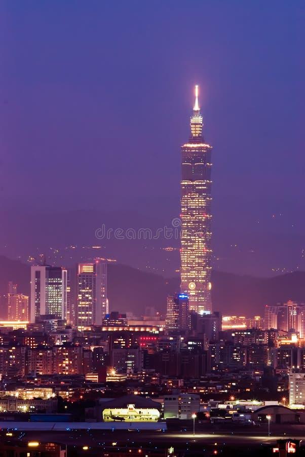 Scena di notte della città di Taipeh. fotografia stock libera da diritti
