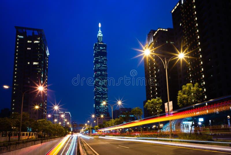Scena di notte della città di Taipei fotografie stock