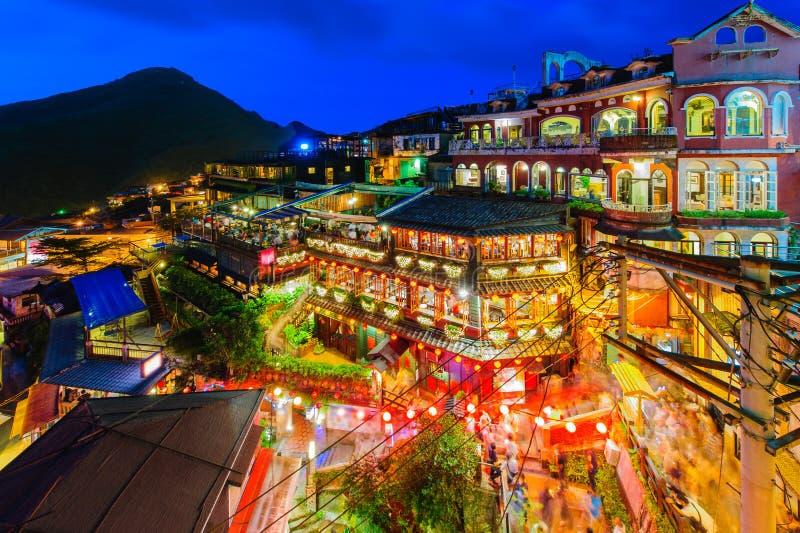 Scena di notte della scena di Hallnight di concerto e del teatro nazionale del villaggio di Jioufen immagini stock