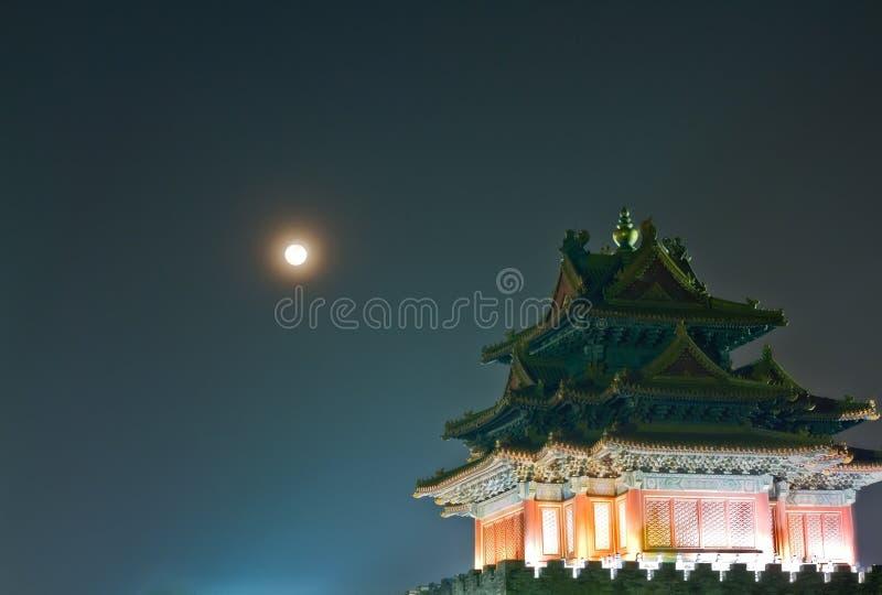 Scena di notte della torretta antica immagine stock libera da diritti