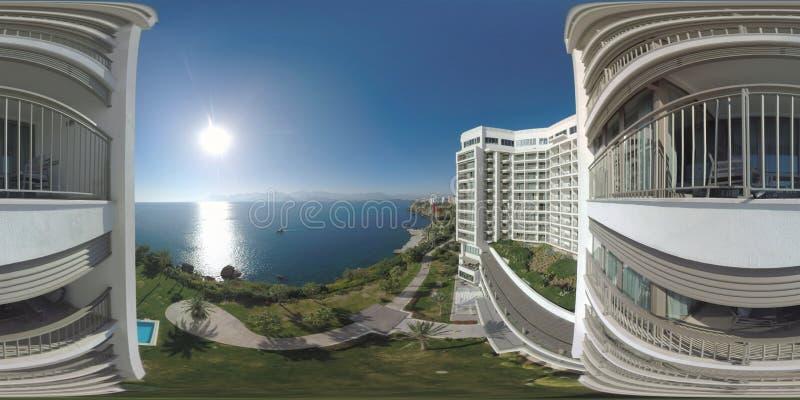 Scena di stupore del mare di 360 VR con sole osservato dall'hotel Vacanza in Turchia fotografia stock