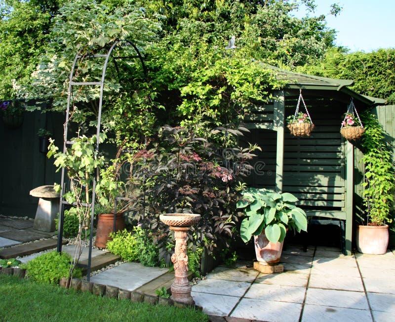 Scena inglese del giardino immagini stock libere da diritti