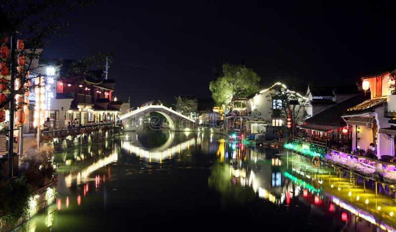 Scena noc w Xitang antycznym miasteczku, Zhejiang prowincja, Chiny zdjęcia stock