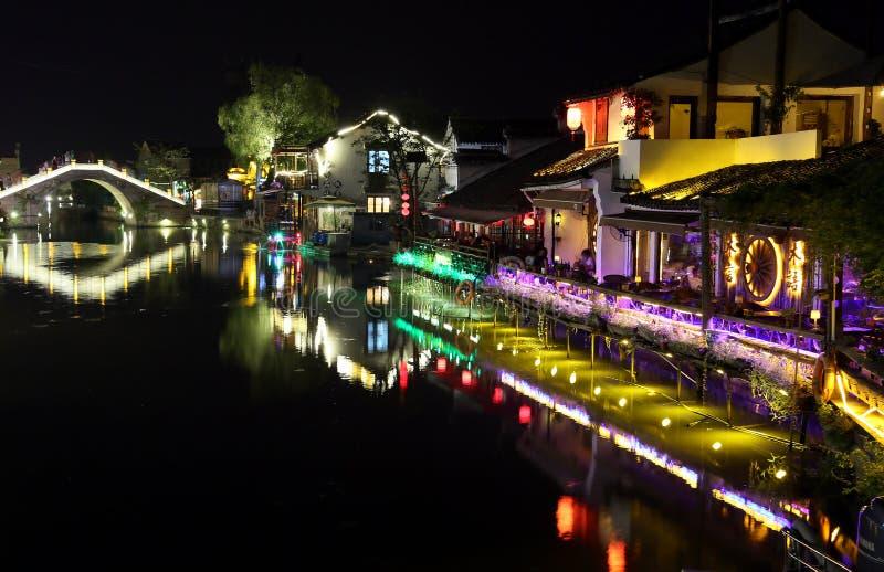 Scena noc w Xitang antycznym miasteczku, Zhejiang prowincja, Chiny zdjęcie royalty free