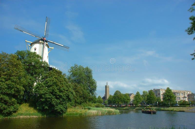 Scena pittoresca, vecchio mulino a vento. fotografia stock