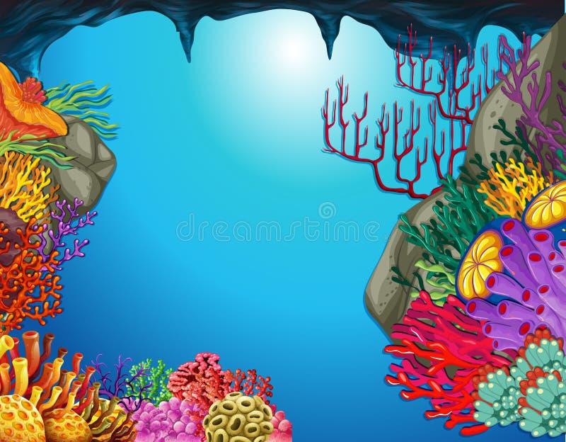Scena subacquea con la barriera corallina in caverna illustrazione vettoriale