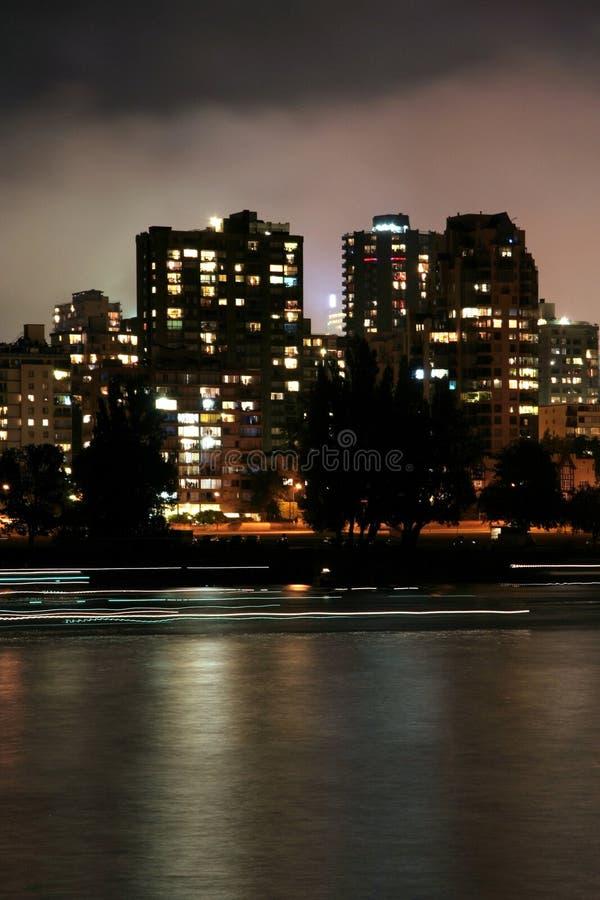 Scena urbana di notte fotografia stock libera da diritti