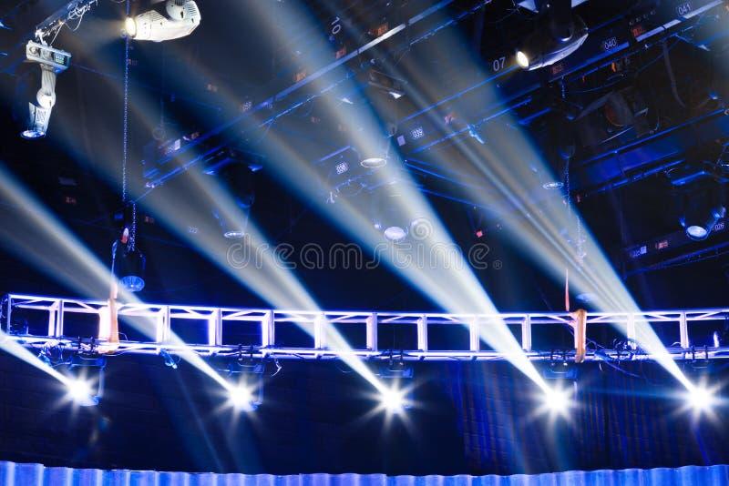 Scena Z światłami Reflektorów Zdjęcie Royalty Free