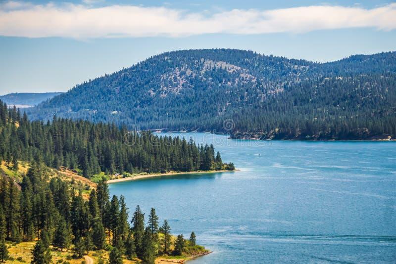 Scene del fiume Columbia un bello giorno soleggiato fotografia stock