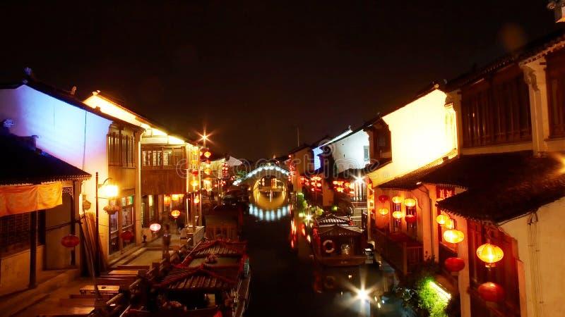 Scene di notte del canale di Suzhou fotografie stock