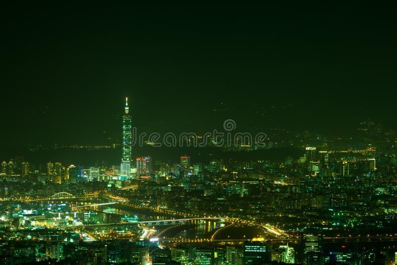 Scene di notte della città di Taipeh, Taiwan fotografia stock libera da diritti