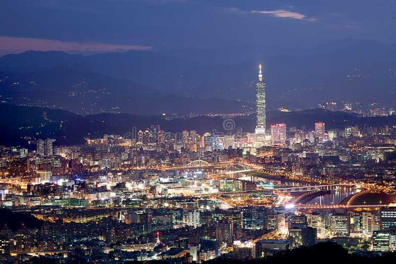 Scene di notte della neve della città di Taipeh, Taiwan fotografie stock libere da diritti