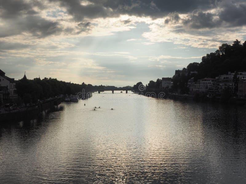 Sceneria rzeczny Neckar Heidelberg i miasto, Niemcy, przy zmierzchem obraz royalty free