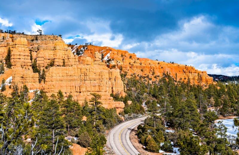 Scenic Byway 12 bij Red Canyon in Utah, de VS royalty-vrije stock afbeelding