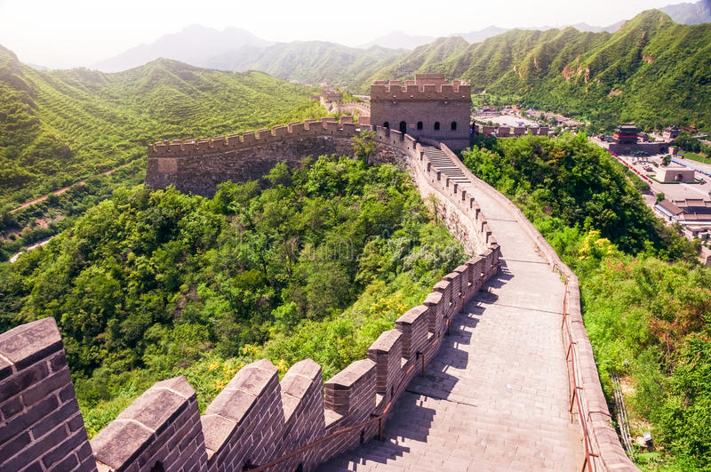 Scenic view of Great wall of China during sunny day stock image