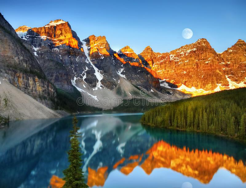 Canadian Scenic Mountain Landscape Moraine Lake Sunrise royalty free stock photos