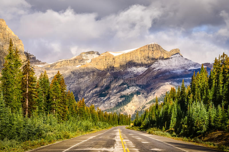 Scenic view of the road on Icefields parkway, Canadian Rockies stock photography