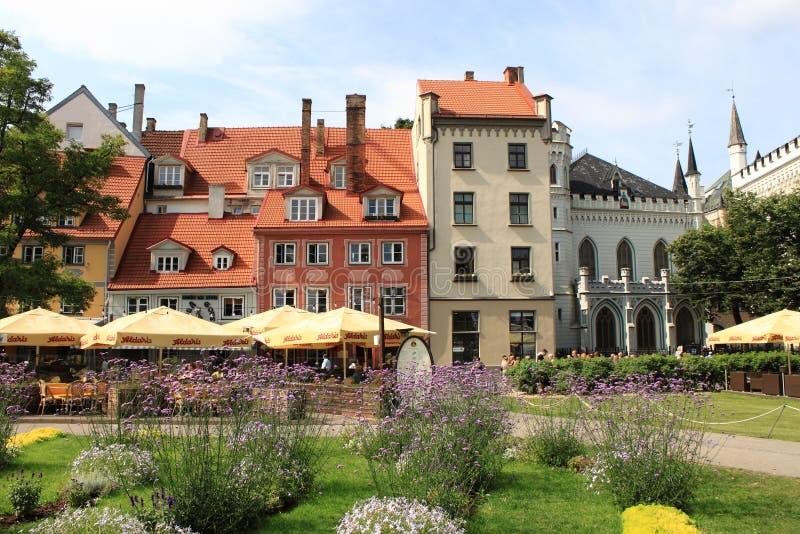 Scenico urbano di vecchia città di Riga immagine stock