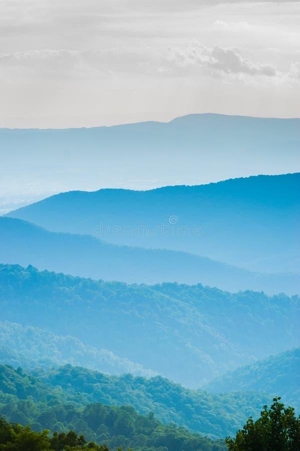 Sceniczny lato krajobraz dalej Przegapia Prowadnikowego Shenandoah obywatela Pa fotografia royalty free