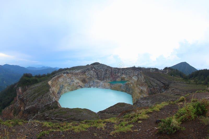 Sceniczny Trzy Barwionego jeziora Kelimutu, Ende obraz stock