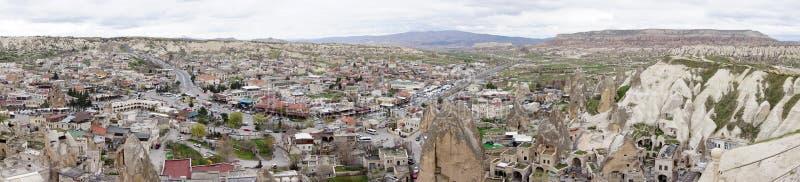 Sceniczny widok Goreme miasteczko z pięknym krajobrazem czarodziejski komin obraz stock