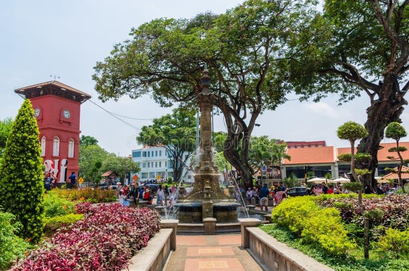 Sceniczny widok Holenderski Kwadratowy Malacca, ludzie konserwuje widzii badający wokoło je Malacca obrazy stock