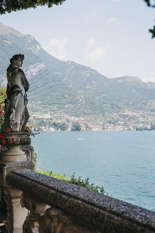 Sceniczny widok nad Jeziornym Como, Włochy, od Lenna fotografia royalty free