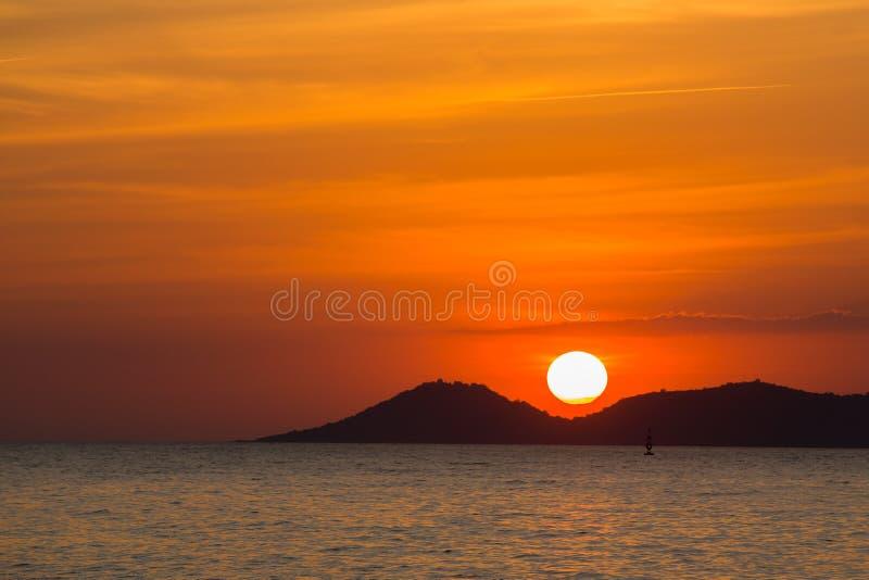 Sceniczny widok piękny zmierzch nad morze obrazy stock