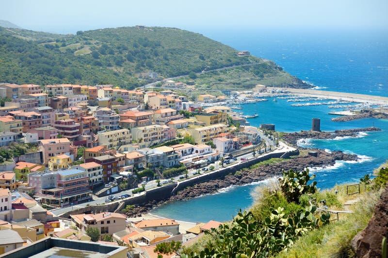 Sceniczny widok przy Castelsardo miasteczkiem zdjęcie royalty free