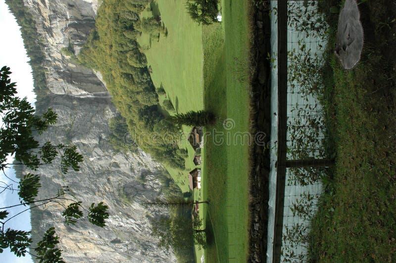 Scenisk alpin liggande arkivfoton