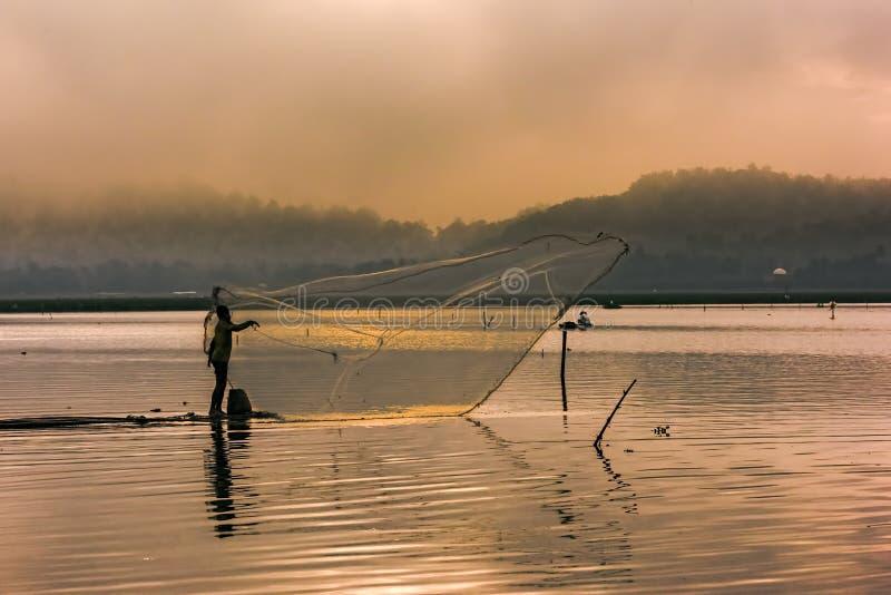 Scenisk fiskarekontursikt arkivfoto