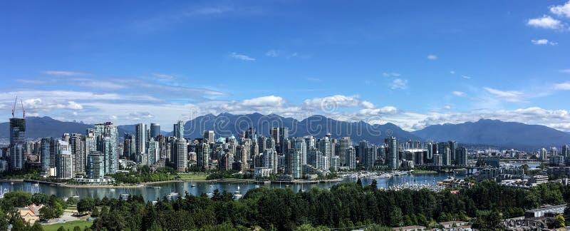 Scenisk horisont av i stadens centrum Vancouver, F. KR., Kanada arkivbilder
