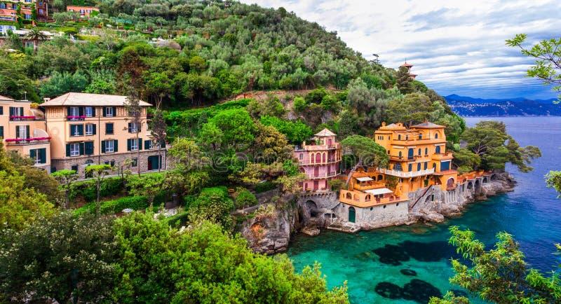 Scenisk Ligurian kust av Italien - härliga lyxiga Portofino arkivbild