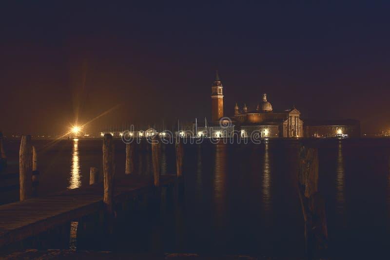 Scenisk panorama för sommarnatt i Venedig, Italien arkivbilder