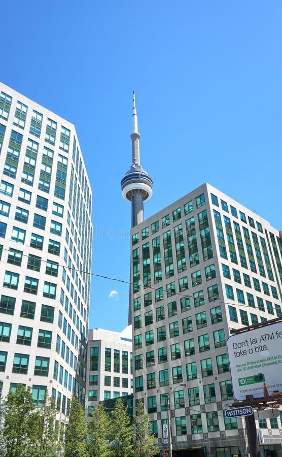 Scenisk sikt av CN-tornet i Toronto, Ontario royaltyfria bilder