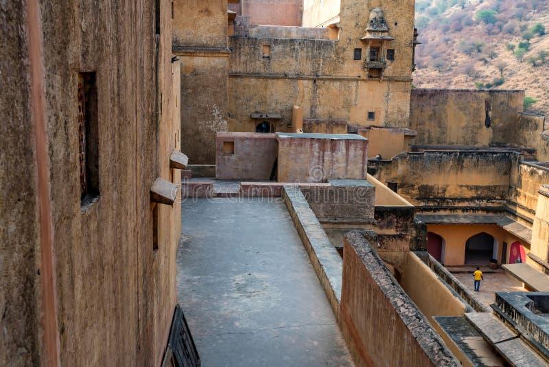 Scenisk sikt av det bärnsten- eller Amer fortet i Jaipur, Indien royaltyfri bild