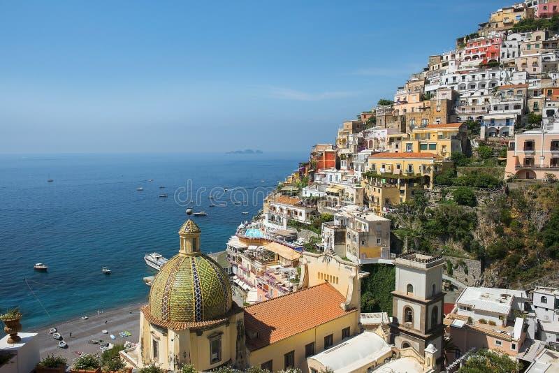 Scenisk sikt av Positano, Amalfi kust, Campaniaregion i Italien arkivfoto